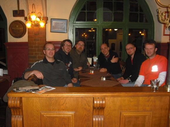Gruppenfoto vom Stadtkrug-Wirt: Aeon, aba, sandmann, Bernhard, Tobi und theped